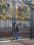 It's me in front of the Buckingham Palace gates